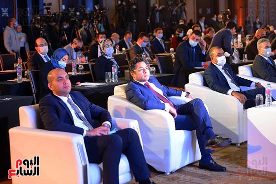 مؤتمر القمة الاقتصادية (21)