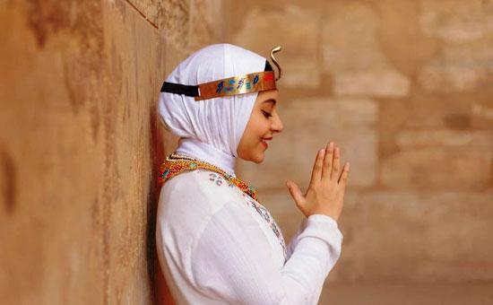 مصور-أقصرى-يرد-على-جلسة-تصوير-سلمى-الشيمى-(14)