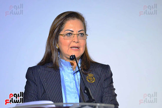 وزيرة التخطيط (2)