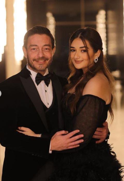 النجم أحمد زاهر مع ابنته