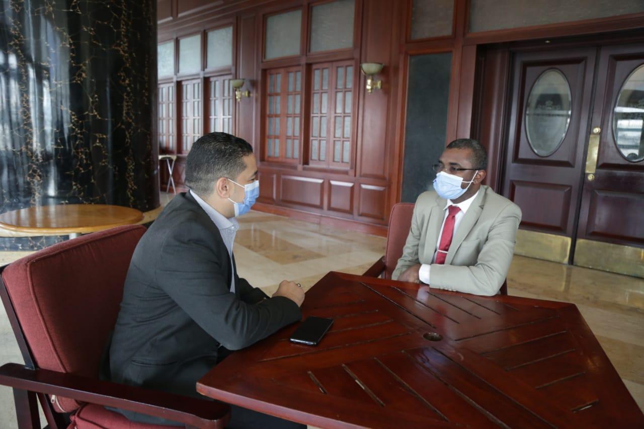 وزير الاوقاف السودانى مع الزميل على عبد الرحمن