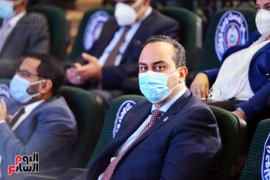 مؤتمر بحضور اللجنة العلمية لمكافحة فيروس كورونا المستجد (8)