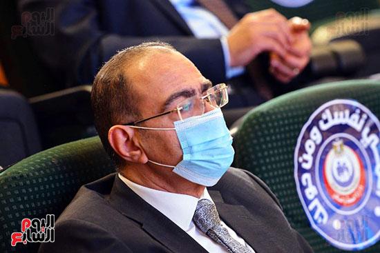 مؤتمر بحضور اللجنة العلمية لمكافحة فيروس كورونا المستجد (20)