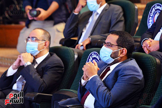 مؤتمر بحضور اللجنة العلمية لمكافحة فيروس كورونا المستجد (56)