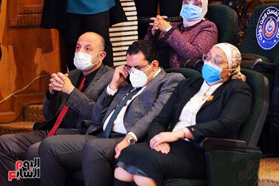 مؤتمر بحضور اللجنة العلمية لمكافحة فيروس كورونا المستجد (7)