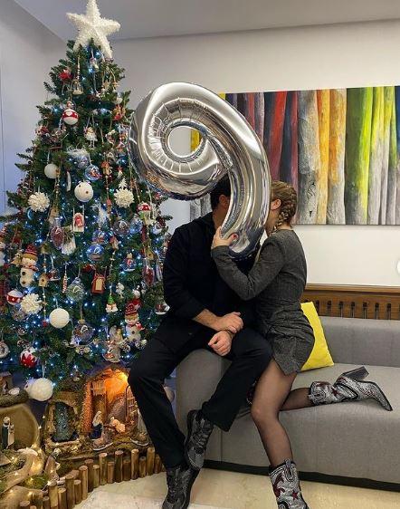 نيكول سابا تحتفل بعيد زواجها