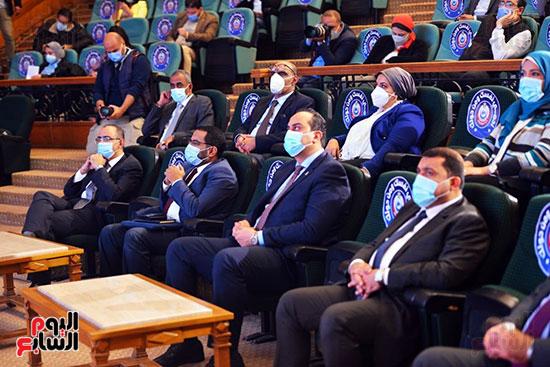 مؤتمر بحضور اللجنة العلمية لمكافحة فيروس كورونا المستجد (29)