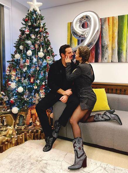 نيكول سابا برفقة زوجها