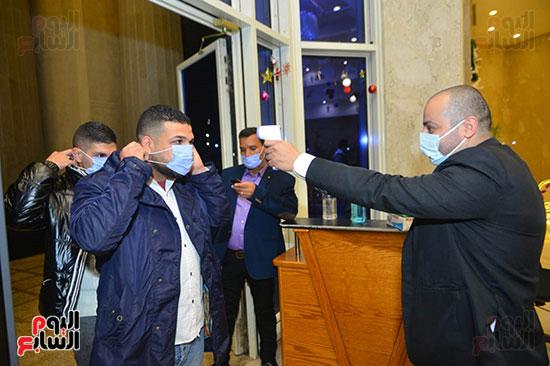 الالتزام بالاجراءات الاحترازية فى حفل بوسى بجامعة مصر