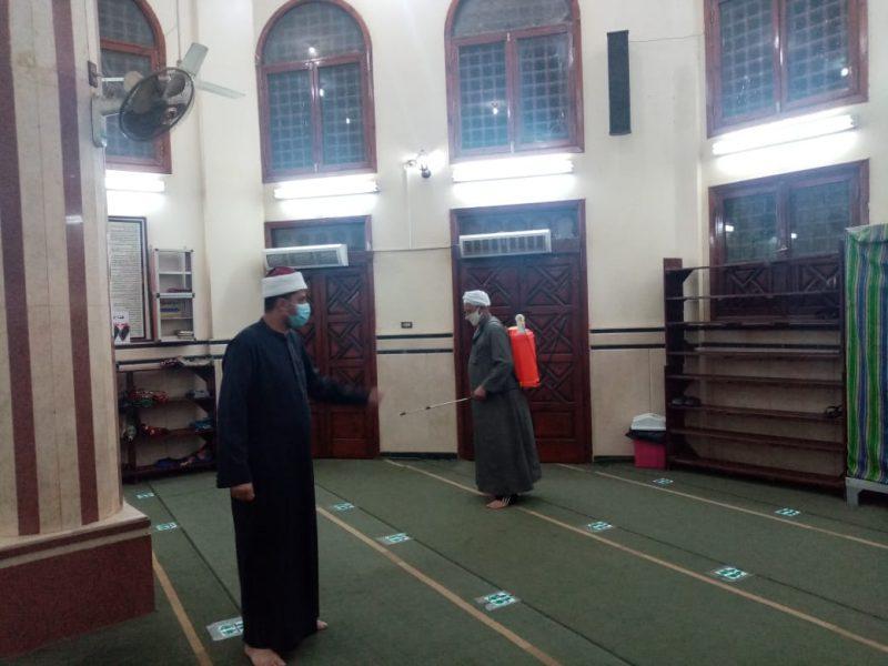 استمرار حملات تعقيم المساجد