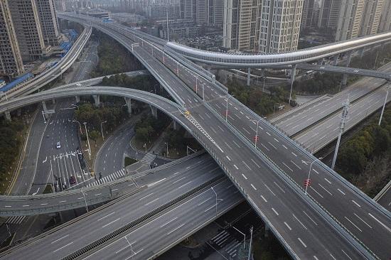 الحكومة الصينية تغلق مدينة ووهان