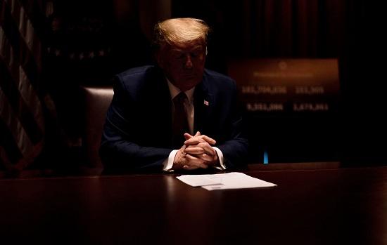 ترامب في اجتماع مع المحافظين لمناقشة أزمة كورونا