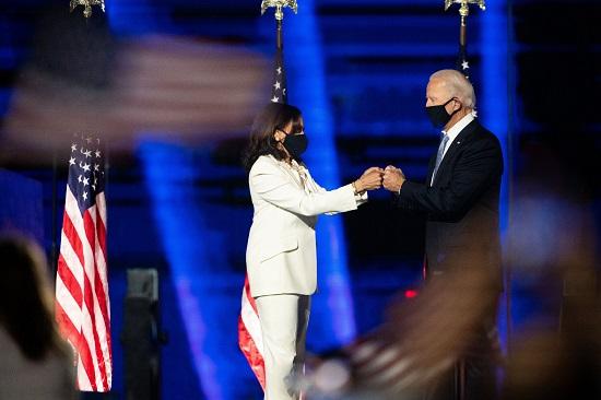 بايدن وزوجته يحتفلان بالفوز في الانتخابات الأمريكية