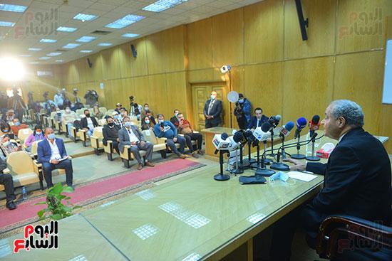 مؤتمر وزير التموين (11)