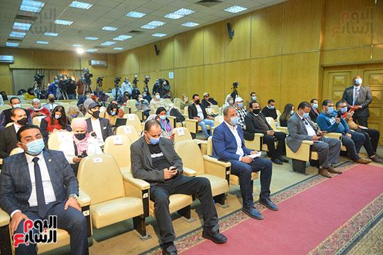 مؤتمر وزير التموين (10)