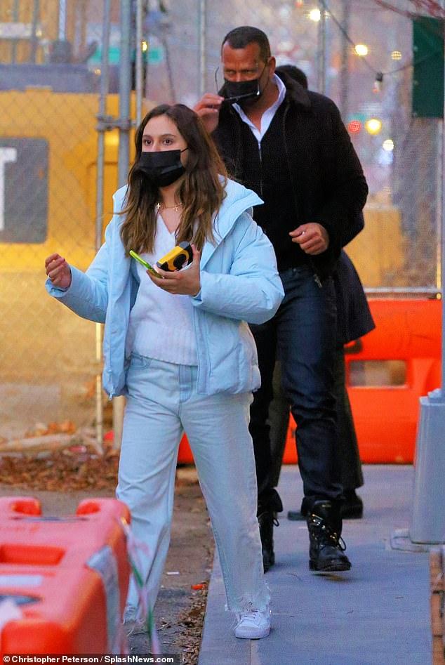 أليكس رودريجيز برفقة ابنته
