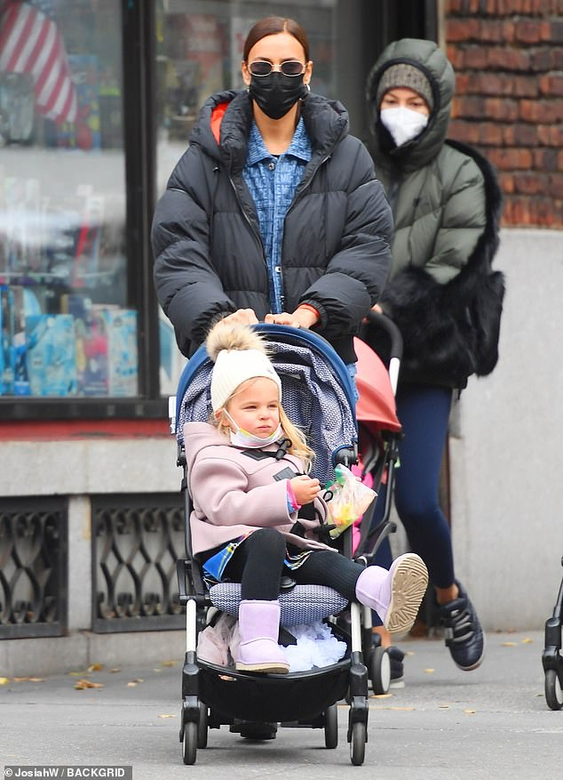ايرينا  وابنتها ليا(1)