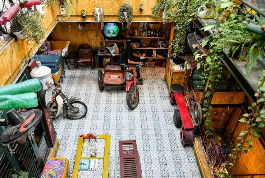 مقاعد من الدراجات النارية القديمة