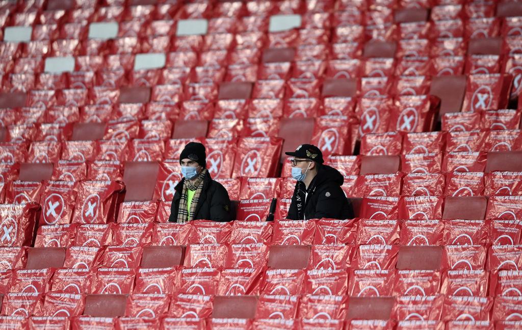 جماهير ارسنال فى ملعب الامارات (5)