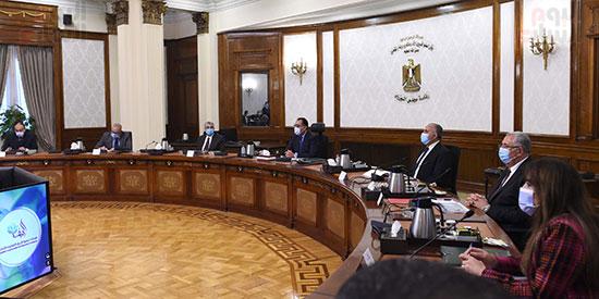 رئيس الوزراء يتابع موقف تنفيذ مشروعات تنمية الريف المصرى (4)