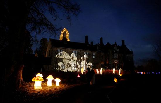تحضيرات الكريسماس.. أضواء أعياد الميلاد تضيئ ليل بريطانيا (11)