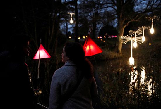 تحضيرات الكريسماس.. أضواء أعياد الميلاد تضيئ ليل بريطانيا (9)