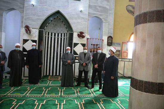 الدولة تعمر مساجد الله (2)