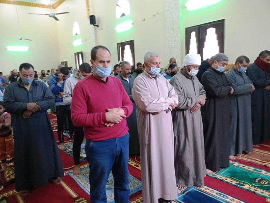 الدولة تعمر مساجد الله (4)