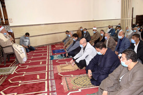 الدولة تعمر مساجد الله (8)