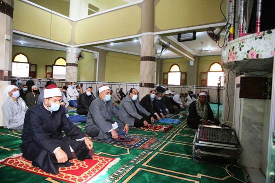 الدولة تعمر مساجد الله (5)