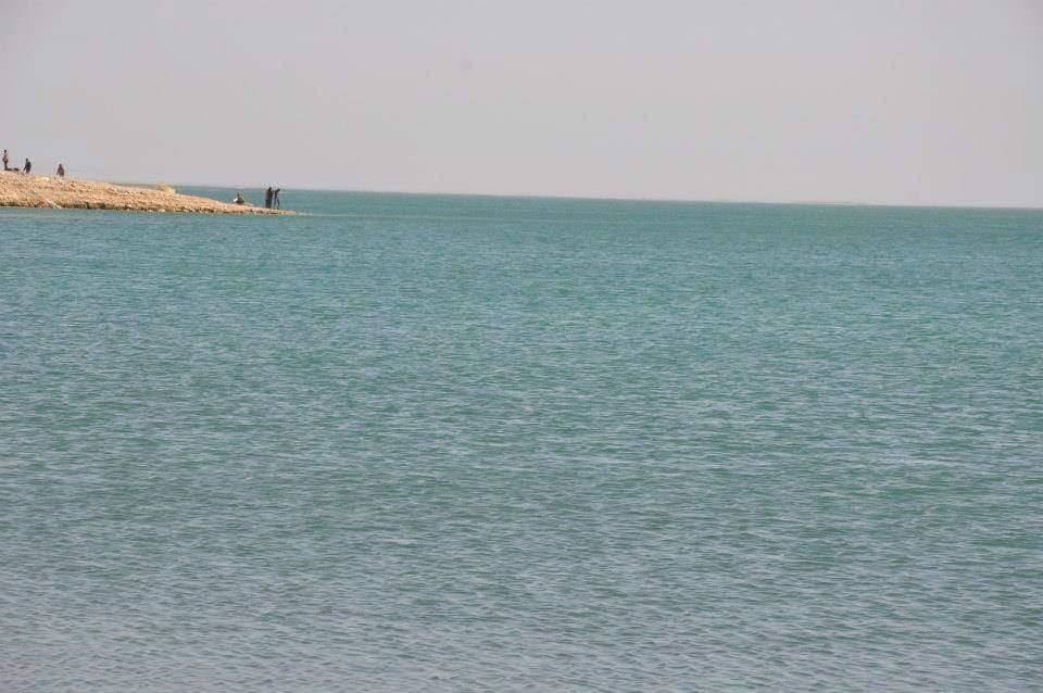 البحيرات الغامضة جمال خلاب فى صحراء الوادى الجديد (7)