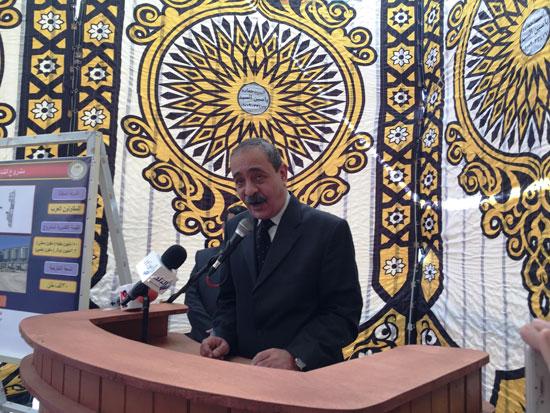 وزير التموين ومحافظ الإسماعيلية يتفقدان مجمع صوامع الغلال بأبوصوير (3)