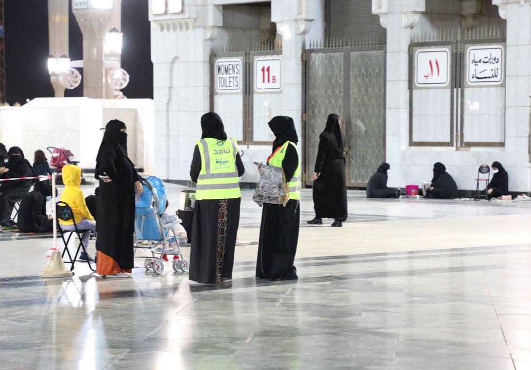 متطوعات بالمسجد النبوي