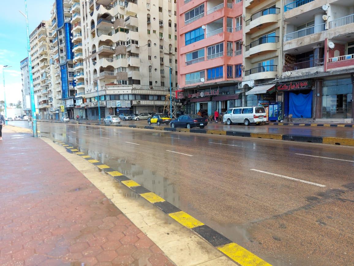 أمطار غزيرة تضرب الإسكندرية (1)