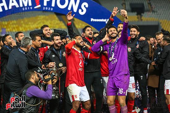 احتفال لاعبى الاهلى بكاس مصر (1)