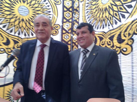 وزير التموين ومحافظ الإسماعيلية يتفقدان مجمع صوامع الغلال بأبوصوير (6)