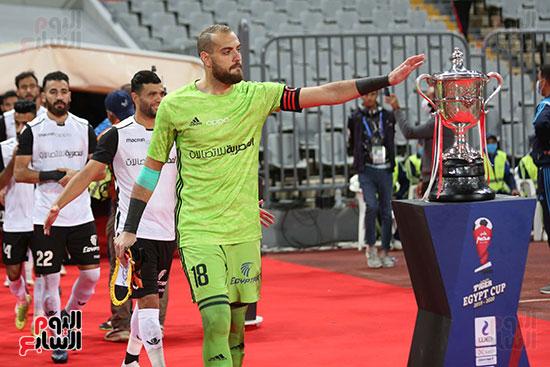 بداية مباراة الاهلي والطلائع نهائي كاس مصر  (16)
