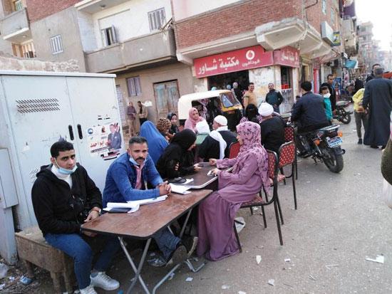 إقبال كبير على التصويت بلجان الانتخابات (6)