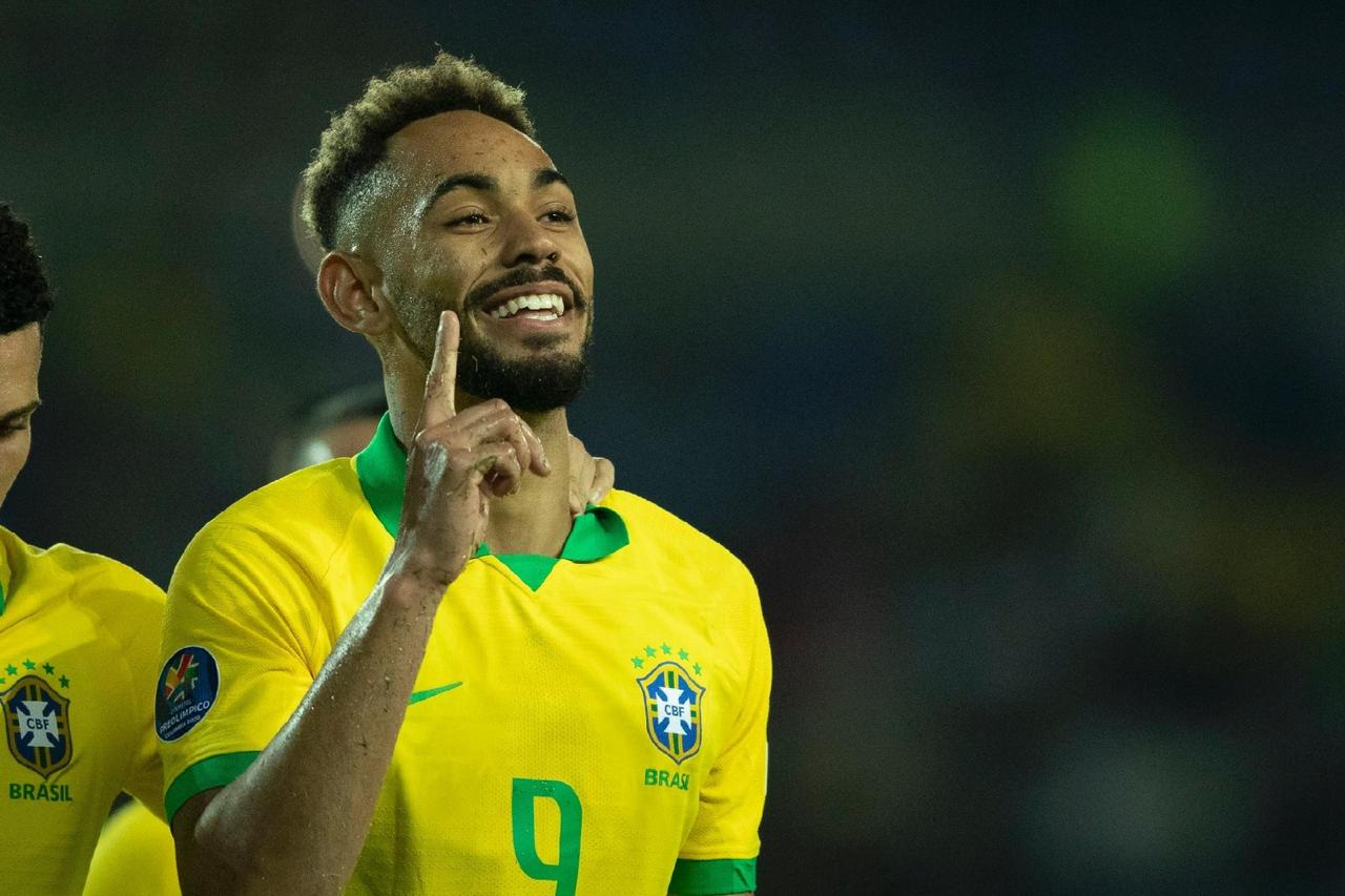البرازيل تسحق الأرجنتين  (1)