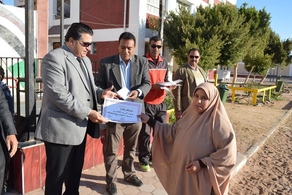 وكيل تعليم جنوب سيناء يكرم المتفوقين بمدرسة الزهور الابتدائية (4)