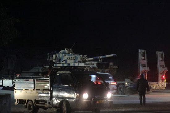 دبابة تركية على شاحنة