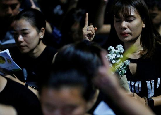 الصلاة من أجل الضحايا