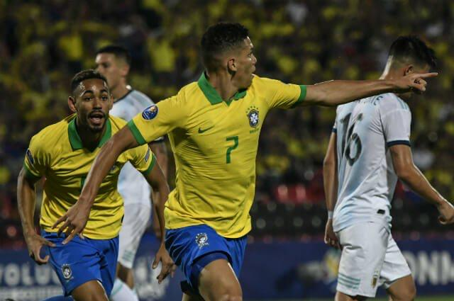 البرازيل تسحق الأرجنتين  (3)