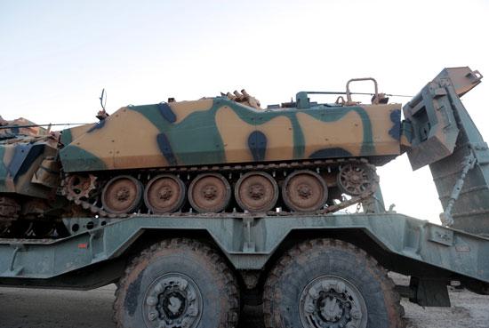 دبابة تركية تصل إدلب
