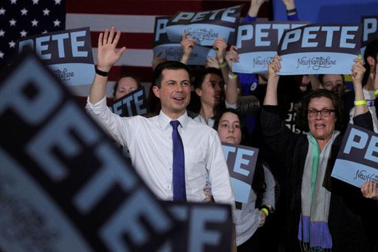عشرات-المؤيدين-يدعمون-حملة-بوتجيج-الانتخابية