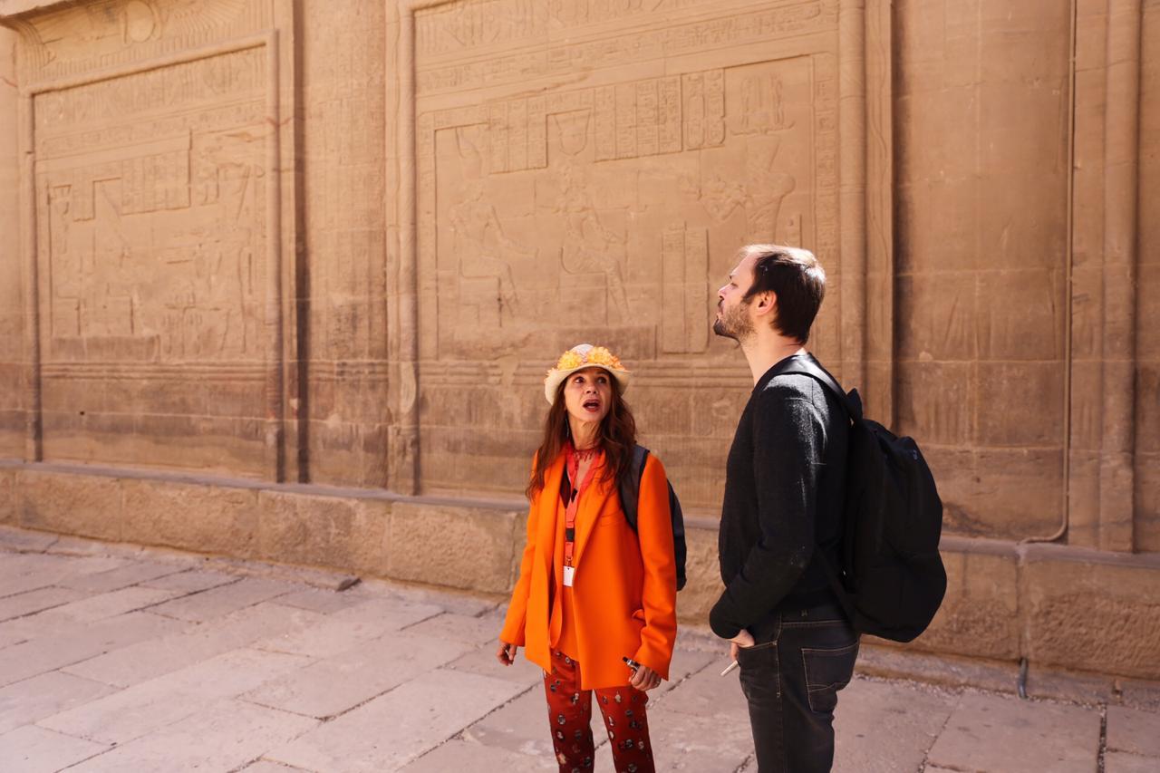 الممثلة والمغنية الإسبانية الشهيرة فيكتوريا أبريل بمعبد فيلة (7)