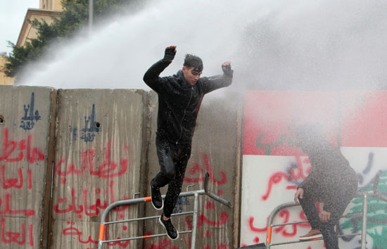 متظاهرون-فى-لبنان