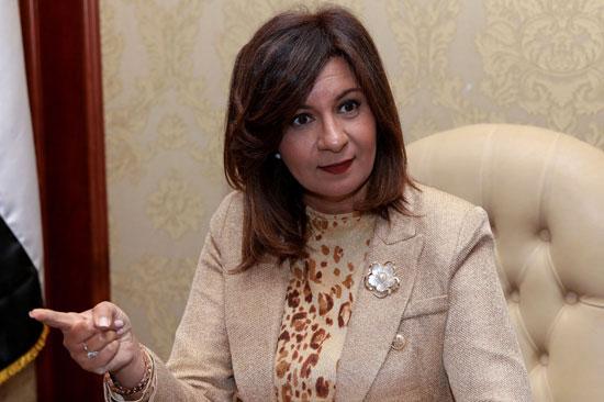 وزيرة-الهجرة-خلال-حوارها-مع-رئيس-تحرير-وكالة-أنباء-الشرق-الأوسط-(2)