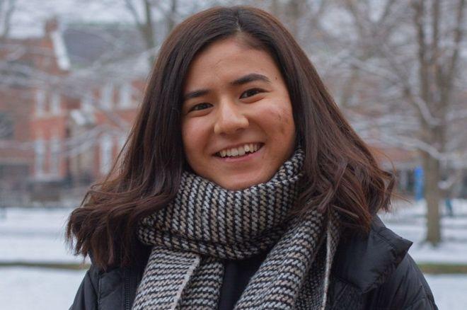 الفتاة الأفغانية سومية تورا