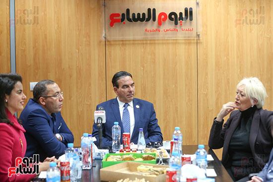 خالد صلاح والنائب أيمن أبو العلا والنائبة ماريان عازر وعلى اليمين النائبة كاترين موران ديسيلى